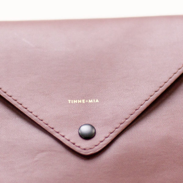 envelope bag chocolate red tinne and mia
